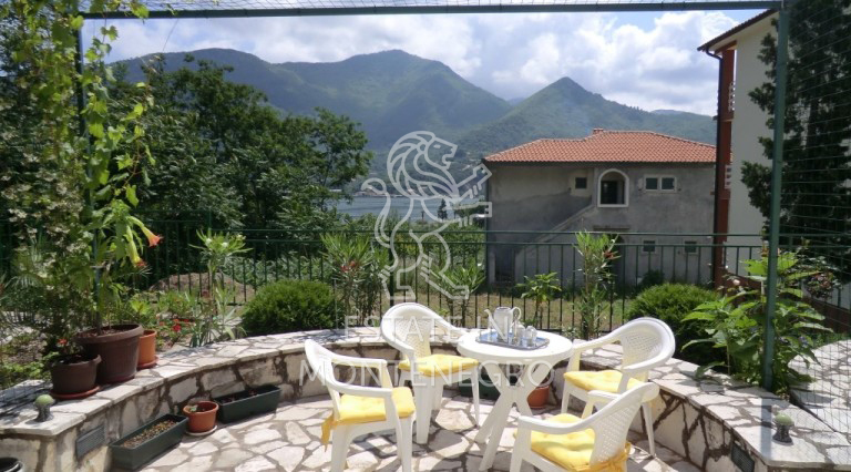 Herceg Novi'de 1+1 Satılık 45m² Daire
