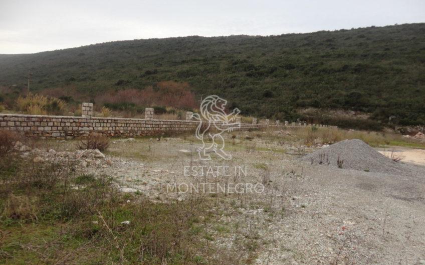 Kotor'da 4819m² Lastva Grbaljska'nın Yanında Satılık Kentsel Arsa