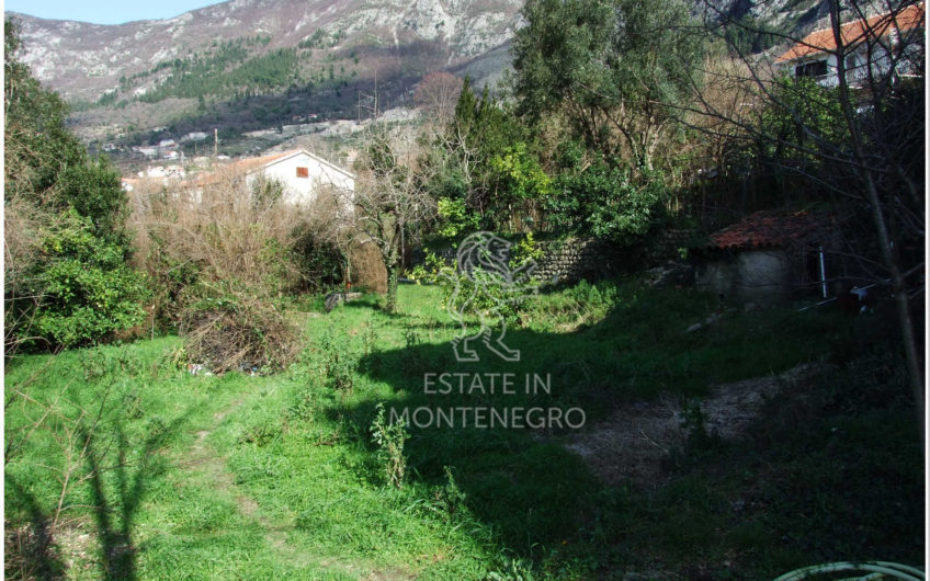 Risan, Kotor'da 425m² Satılık Kentsel Arsa