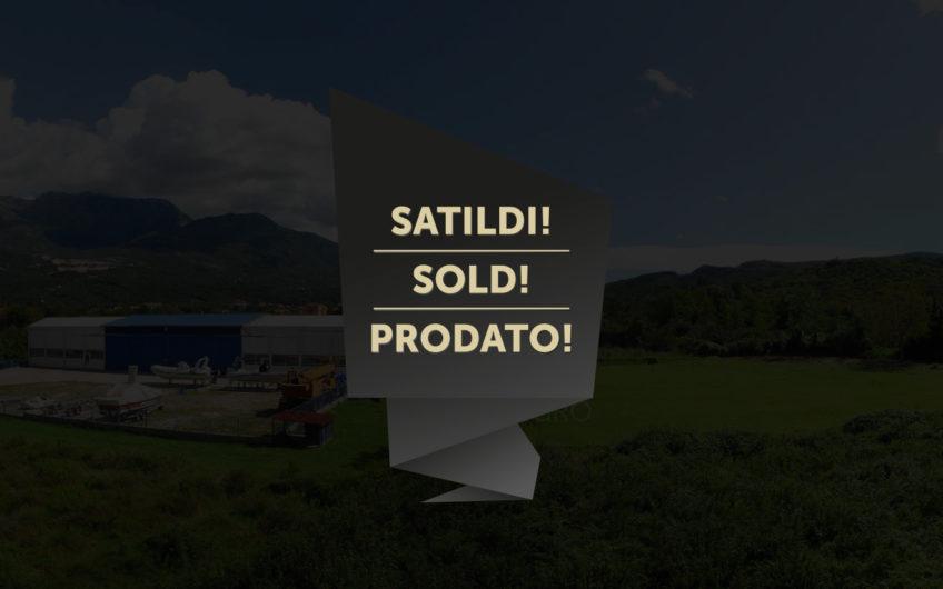 Kotor, Radanoviči'de 6822m² Satılık Üzerinde İş Yeri Olan Arsa