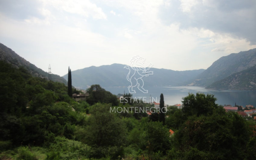 Kotor, Risan'da 1493m² Satılık Deniz Manzaralı Arsa